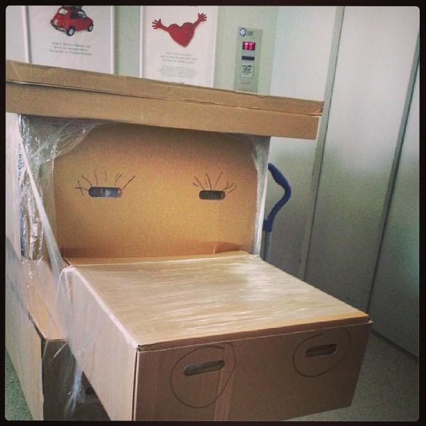 Lagerarbeit bei Ikea scheint lustig zu sein ;-)