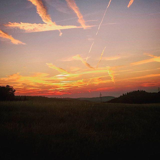 Irgendwo unterwegs #sonnenuntergang #sunset