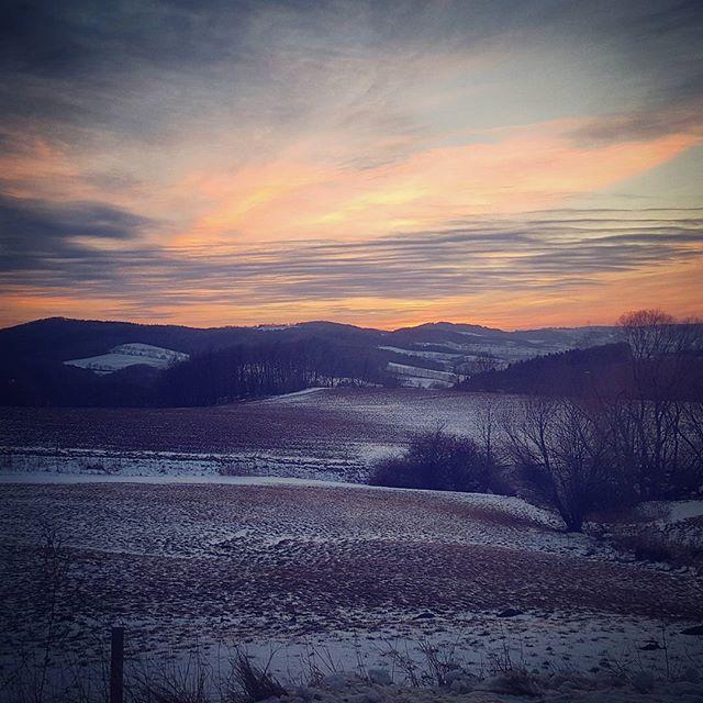 Lucky Luke würde dahin reiten... #sunset #sonnenuntergang #winter #osterzgebirge #oremountains